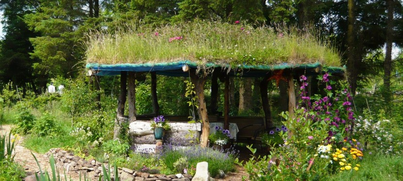 Building a Gazebo with a living roof. Part 2.
