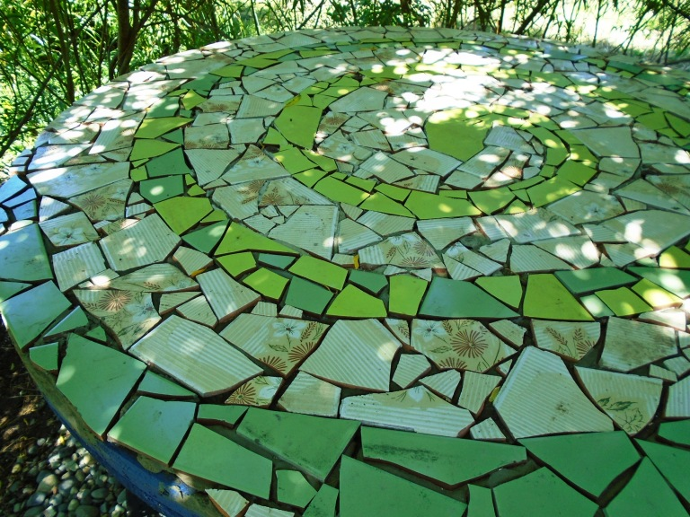 mosaic table 011