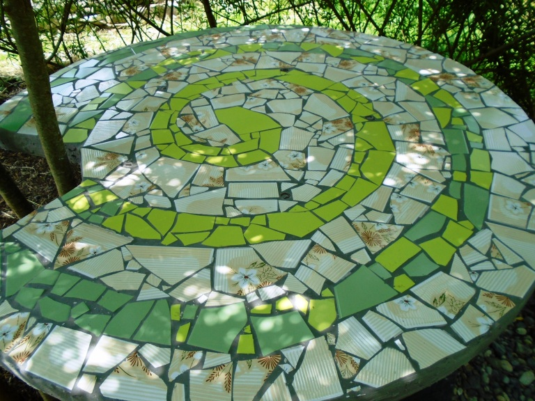mosaic table 042
