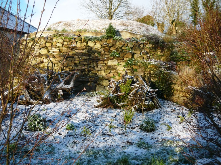 mosaic, snow and stumpery 078